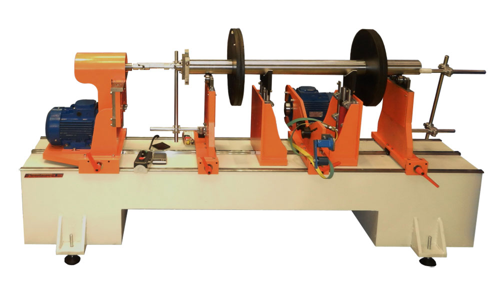 Machine for balancing rotors, TB 2300 300 mod with an extended bed for balancing of rotors weighing up to 300 kg production Tehnobalans